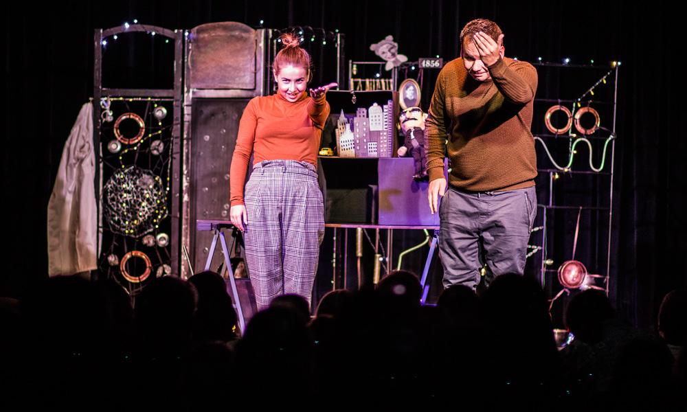 Divadlo SpozaVoza: Tesla a priatelia (11. 11. 2018, Malý Berlín, © Petra K. Adamková)